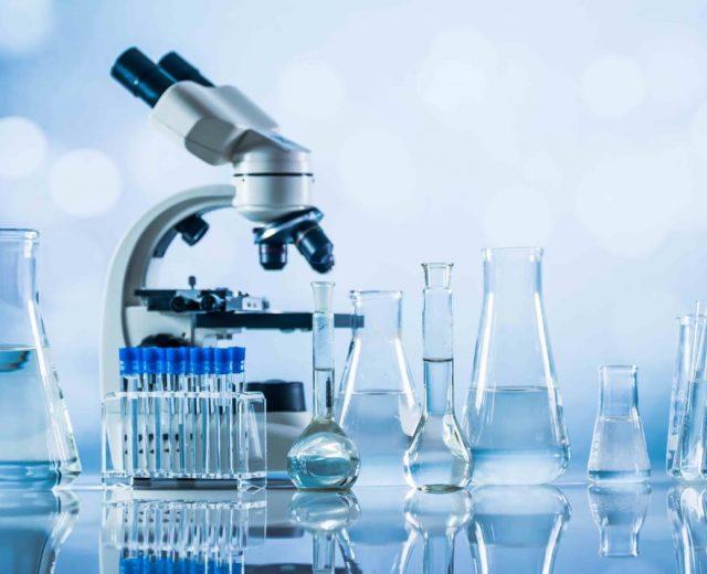 lab medicine-842452752_402879_5_v1